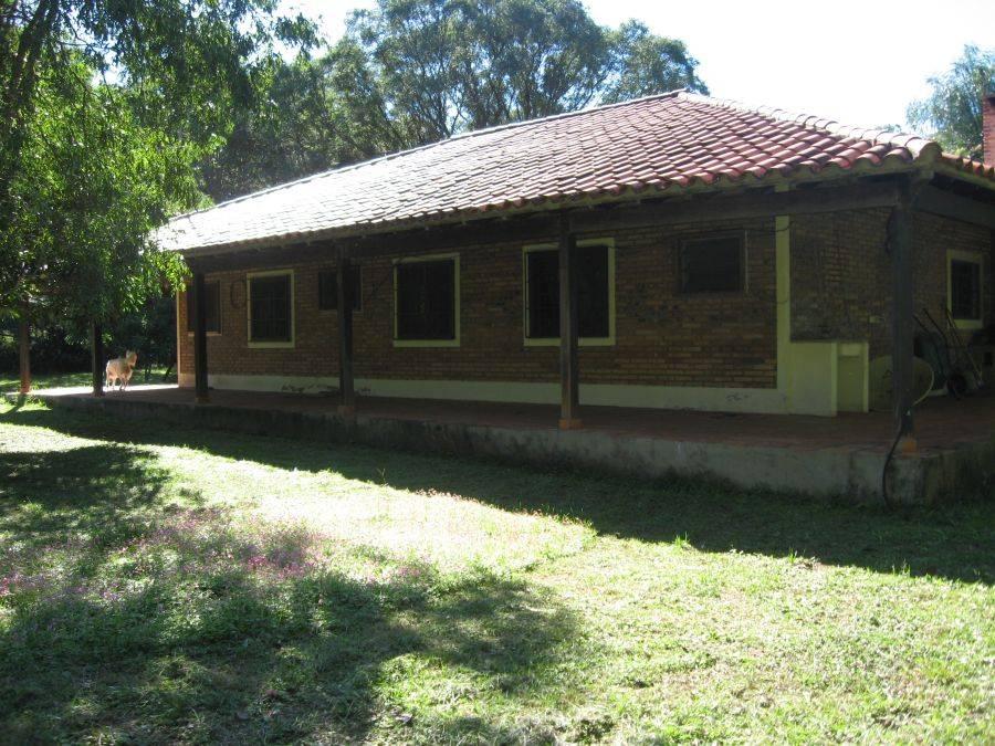 2 h user auf qm 1 holzhaus auf 2 275 hektar in paraguay. Black Bedroom Furniture Sets. Home Design Ideas